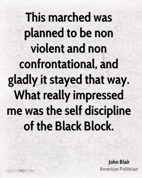 This marched was planned to be non violent and non confrontational, and gladly it stayed that way. What really impressed me was the self discipline of the Black Block.